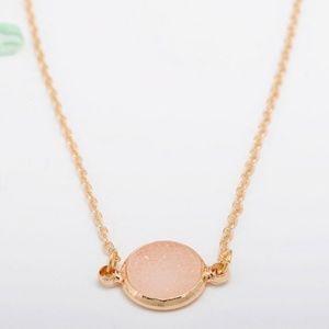 🆕️Gold Rose Quarts Dainty Necklace